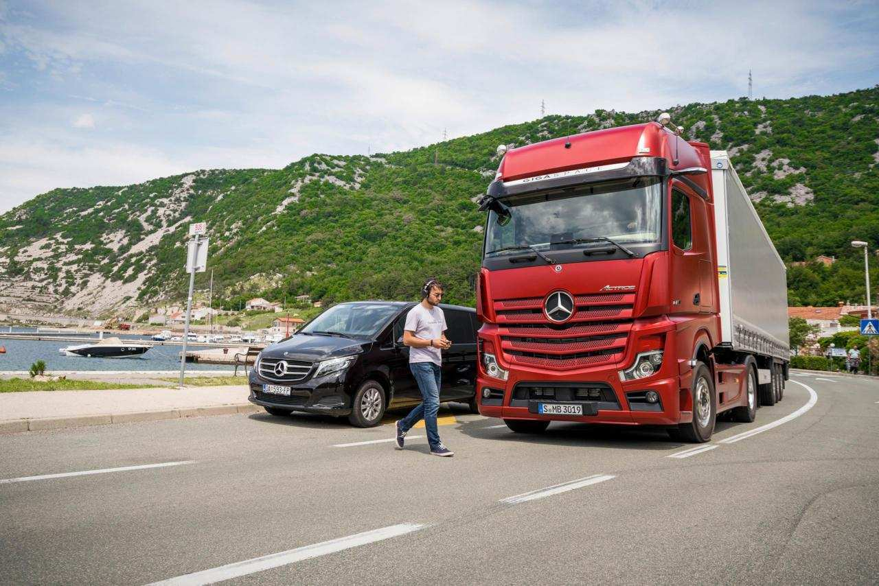 86 New Mercedes Truck 2019 Style with Mercedes Truck 2019