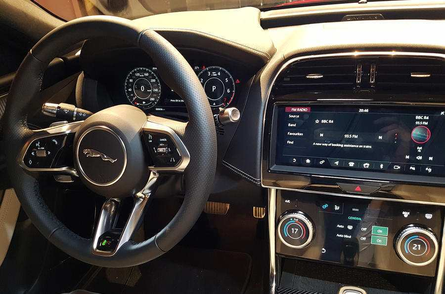 90 New Jaguar Xe 2019 Interior Specs and Review with Jaguar Xe 2019 Interior