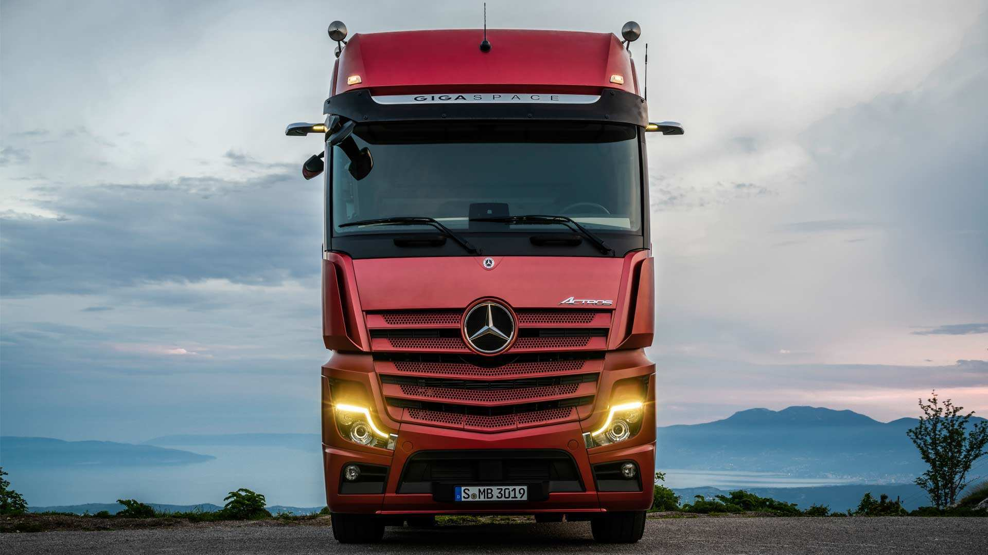 94 The Mercedes Truck 2019 Specs and Review by Mercedes Truck 2019