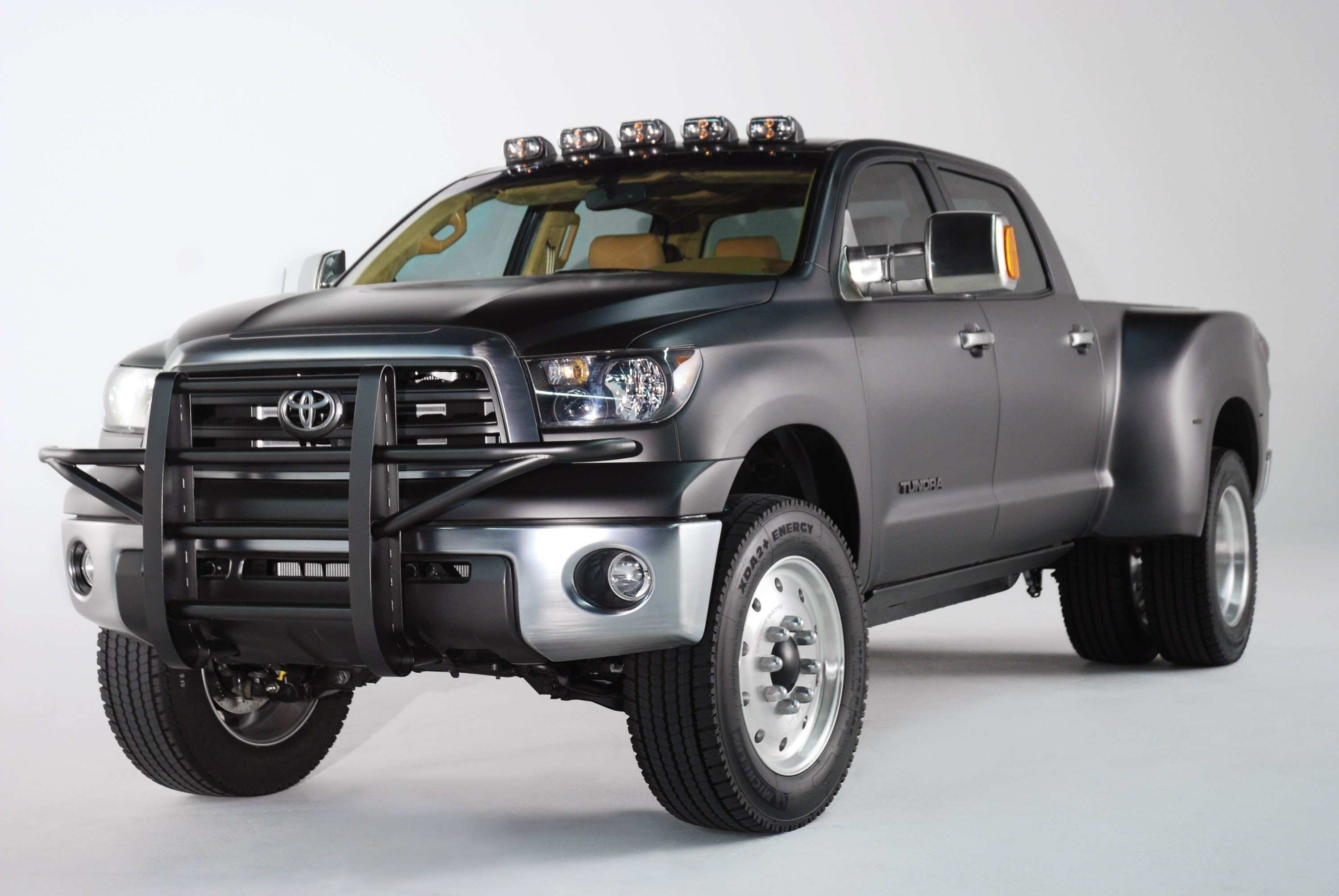 17 Concept of The 2019 Toyota Dually Redesign Spy Shoot for The 2019 Toyota Dually Redesign