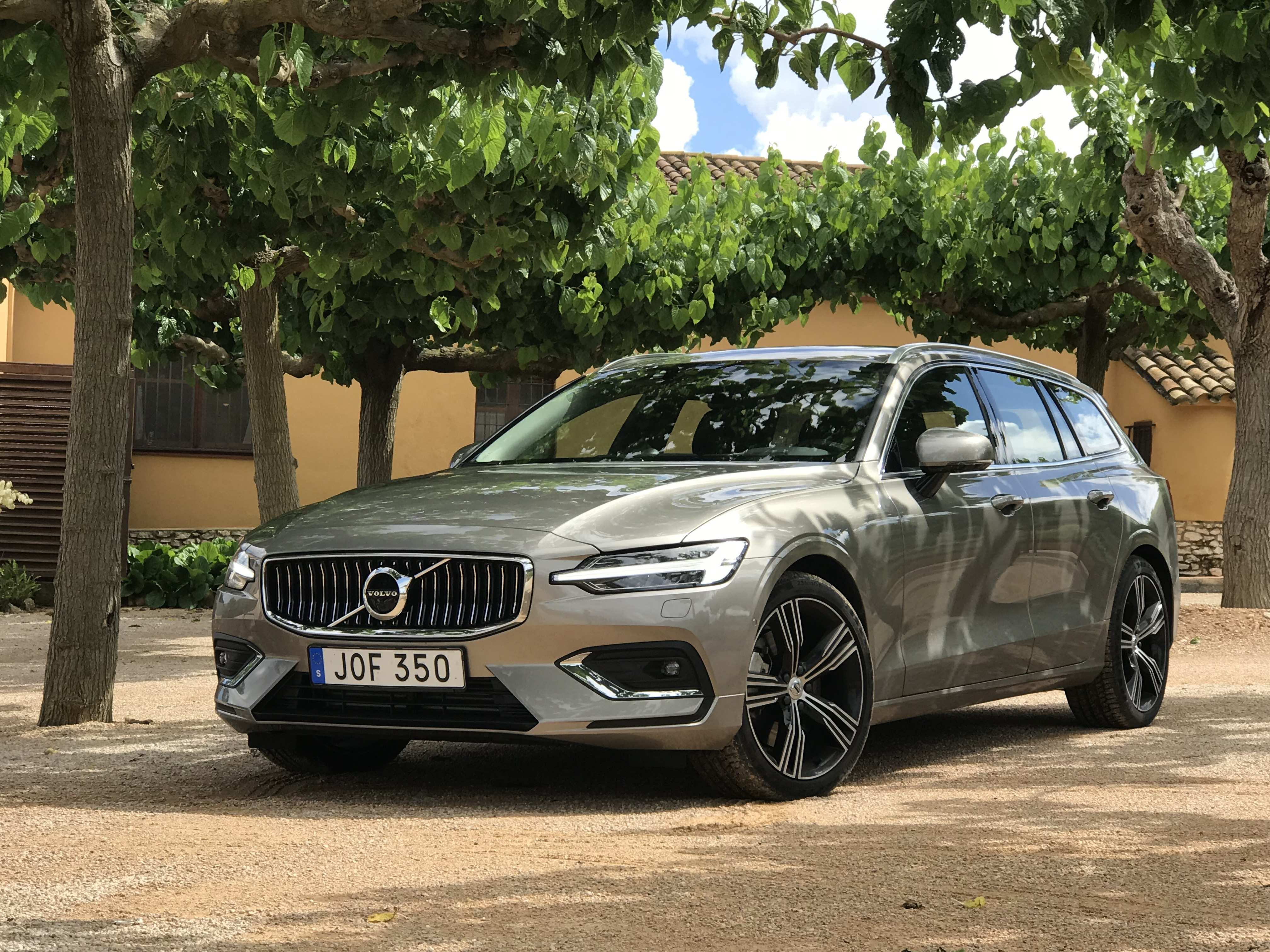 17 Gallery of New Volvo V60 2019 Ground Clearance New Engine Engine by New Volvo V60 2019 Ground Clearance New Engine