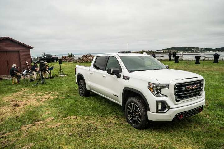 21 Gallery of New Gmc 2019 Sierra 1500 First Drive Wallpaper by New Gmc 2019 Sierra 1500 First Drive