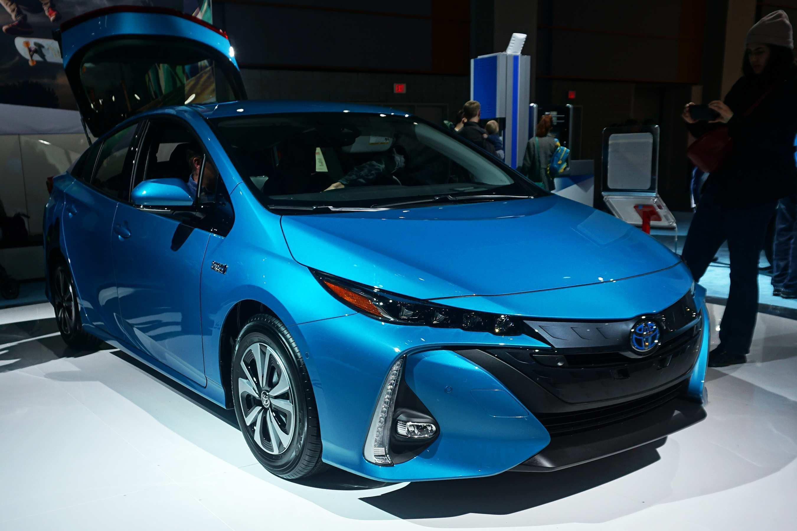 23 All New Best Prius Toyota 2019 Spesification Spy Shoot for Best Prius Toyota 2019 Spesification