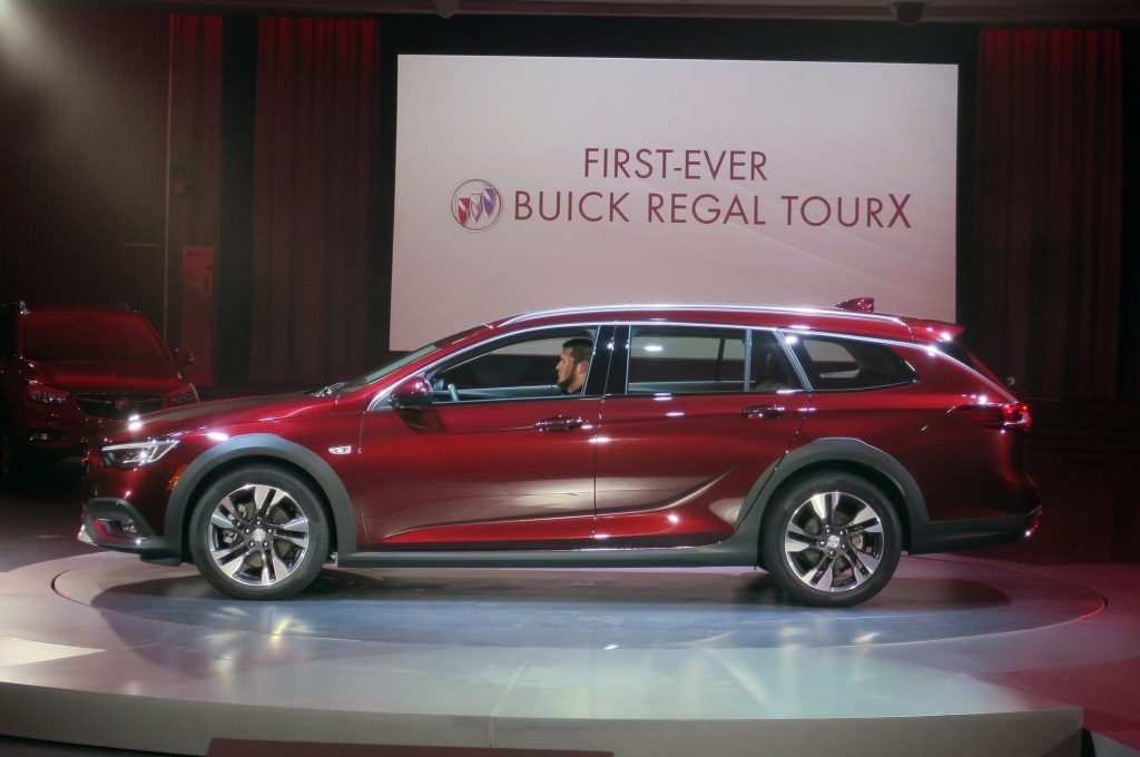 25 Great New 2019 Buick Regal Tourx Redesign Redesign and Concept for New 2019 Buick Regal Tourx Redesign