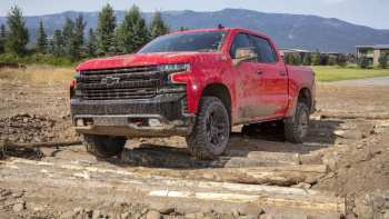 26 The New 2019 Chevrolet Silverado Interior Specs And Review Spesification with New 2019 Chevrolet Silverado Interior Specs And Review