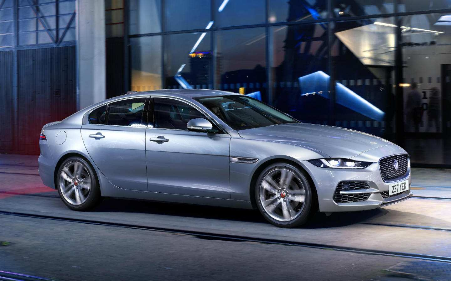 32 Best Review New Xe Jaguar 2019 First Drive Price Performance And Review Release Date by New Xe Jaguar 2019 First Drive Price Performance And Review