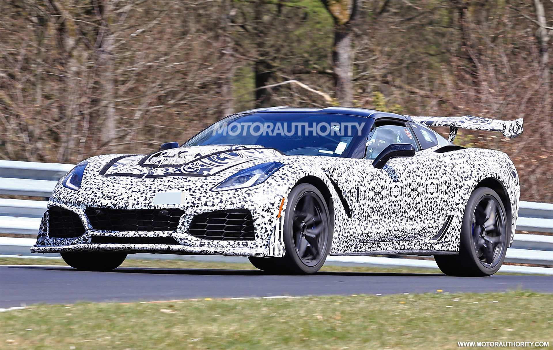 35 Great New Chevrolet Corvette Zr1 2019 Spy Shoot Images with New Chevrolet Corvette Zr1 2019 Spy Shoot