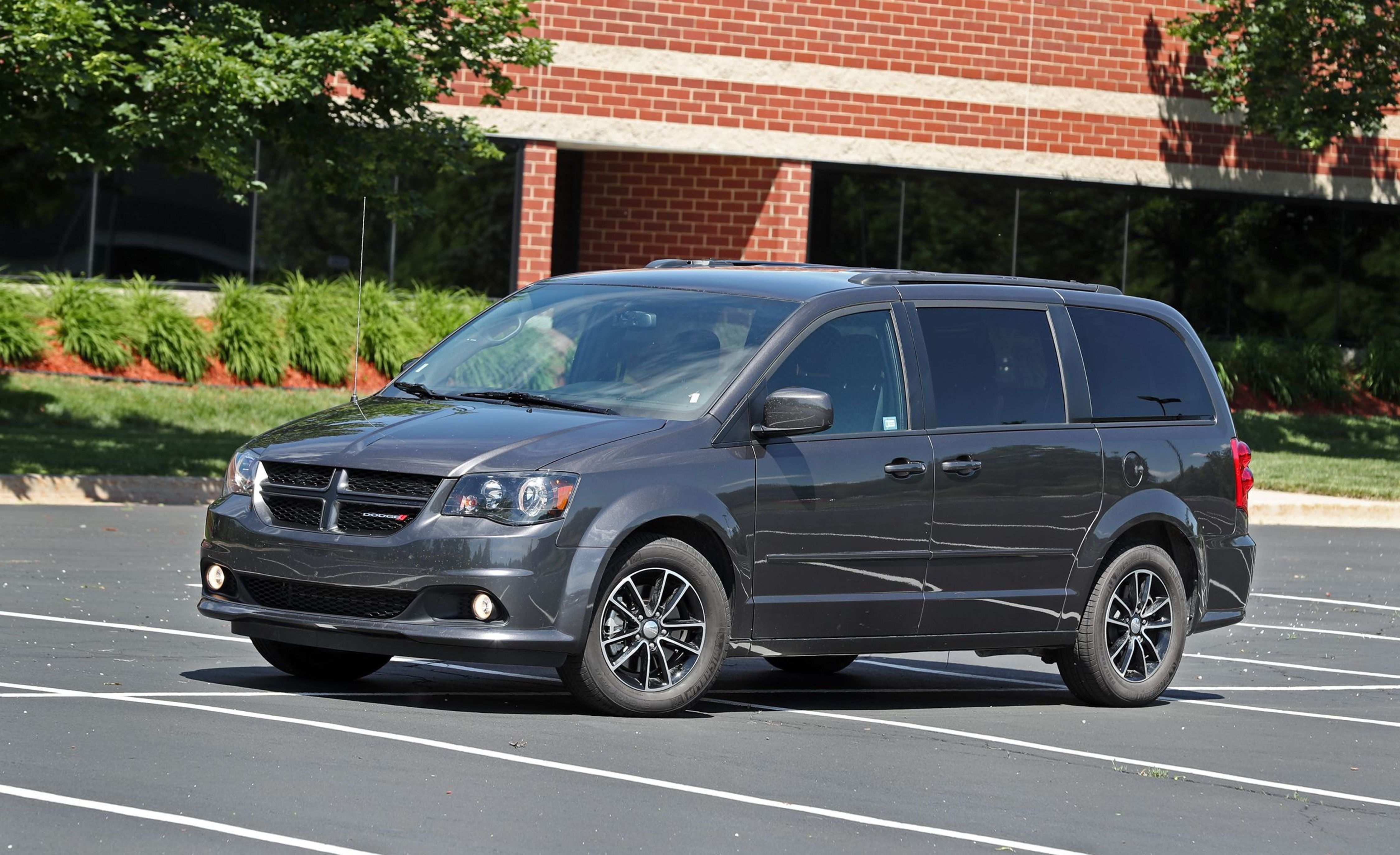 39 Best Review New 2019 Dodge Caravan Gt Overview And Price Exterior and Interior by New 2019 Dodge Caravan Gt Overview And Price