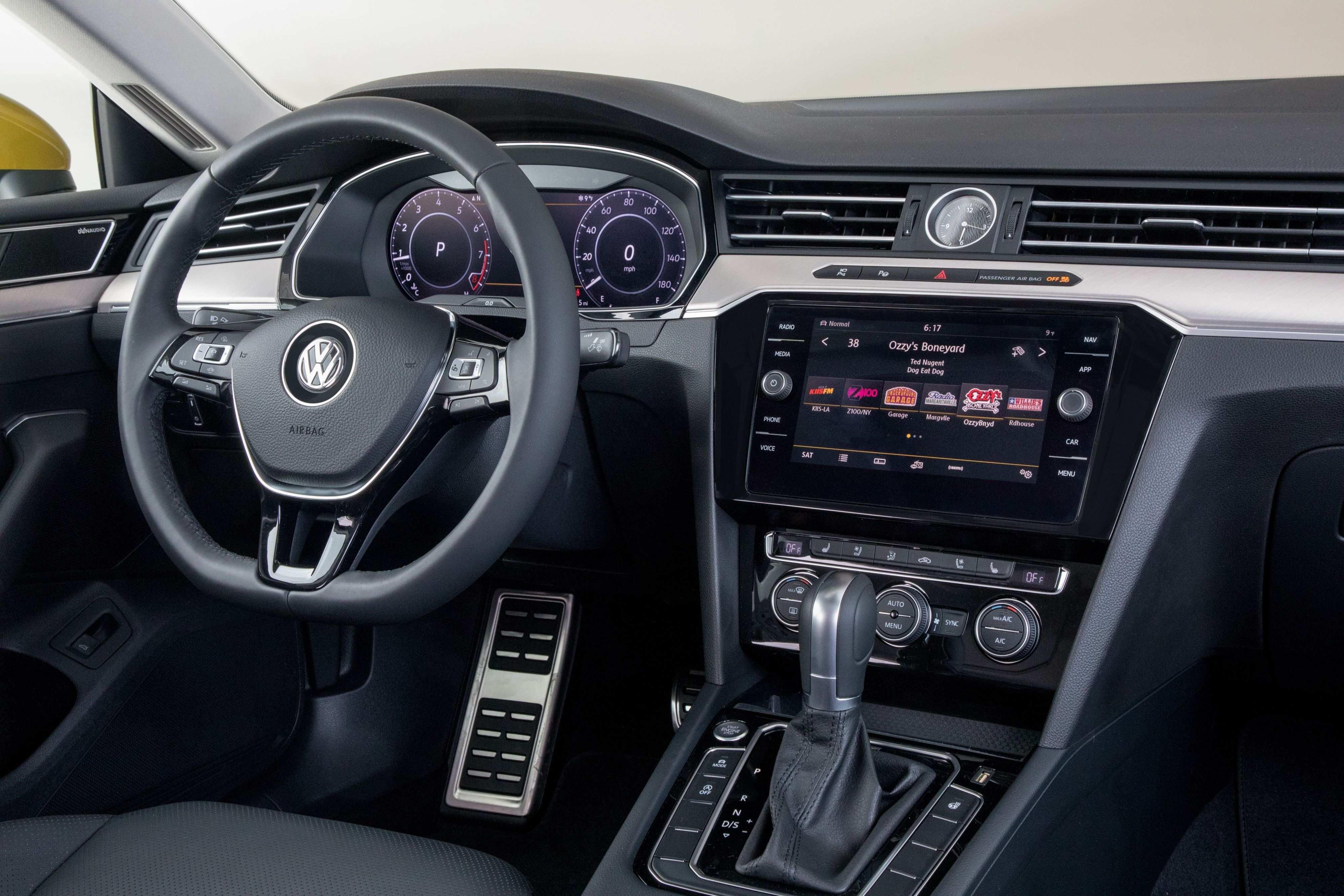 40 The The Volkswagen Passat 2019 Interior Spy Shoot Photos for The Volkswagen Passat 2019 Interior Spy Shoot
