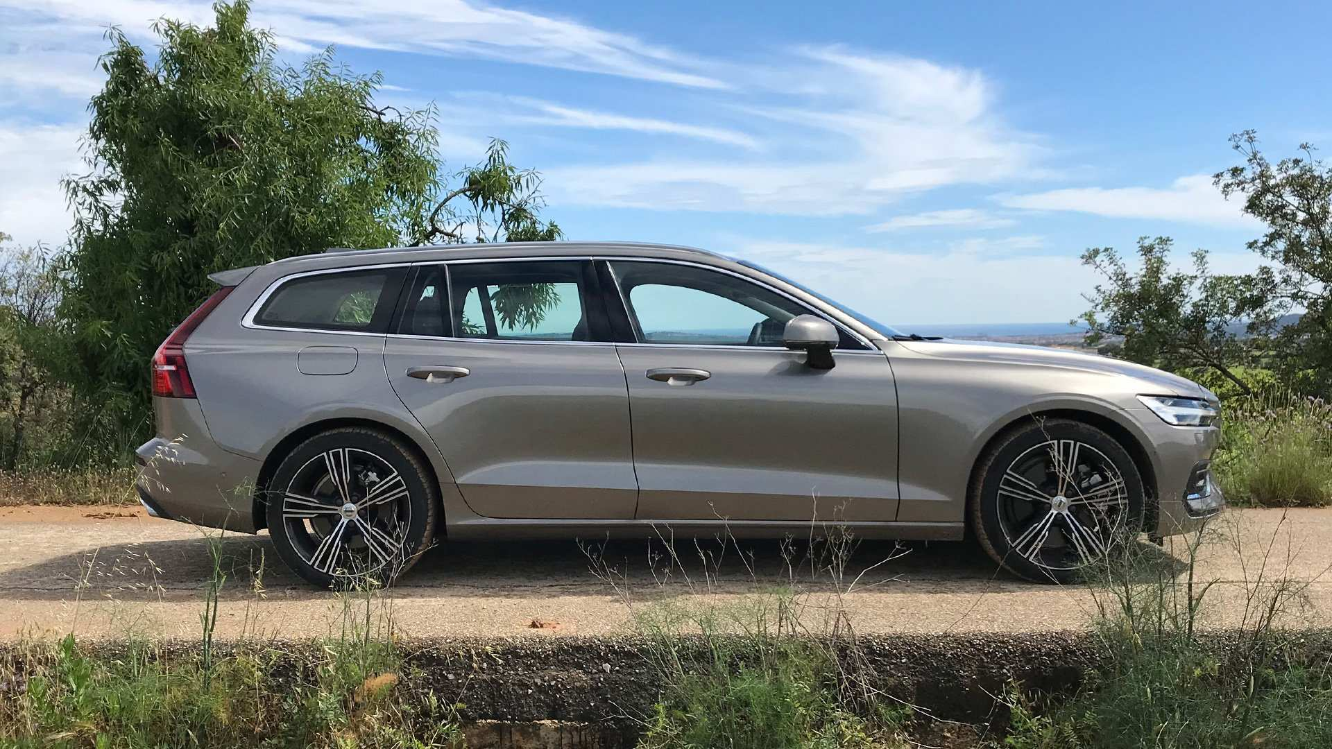 43 Best Review New Volvo V60 2019 Ground Clearance New Engine Reviews with New Volvo V60 2019 Ground Clearance New Engine