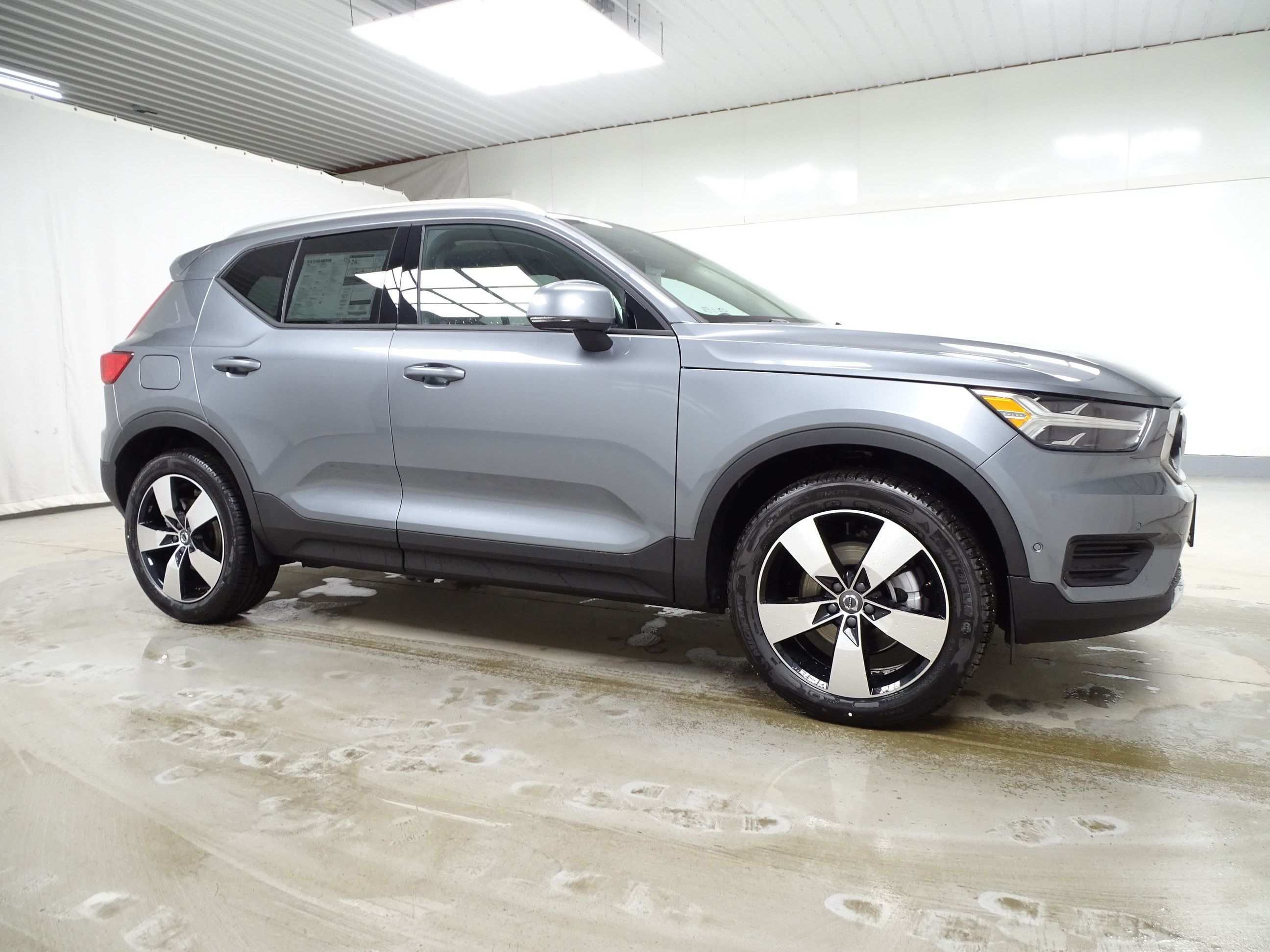 46 Great New 2019 Volvo Xc40 T5 Momentum Lease Exterior And Interior Review Spy Shoot by New 2019 Volvo Xc40 T5 Momentum Lease Exterior And Interior Review