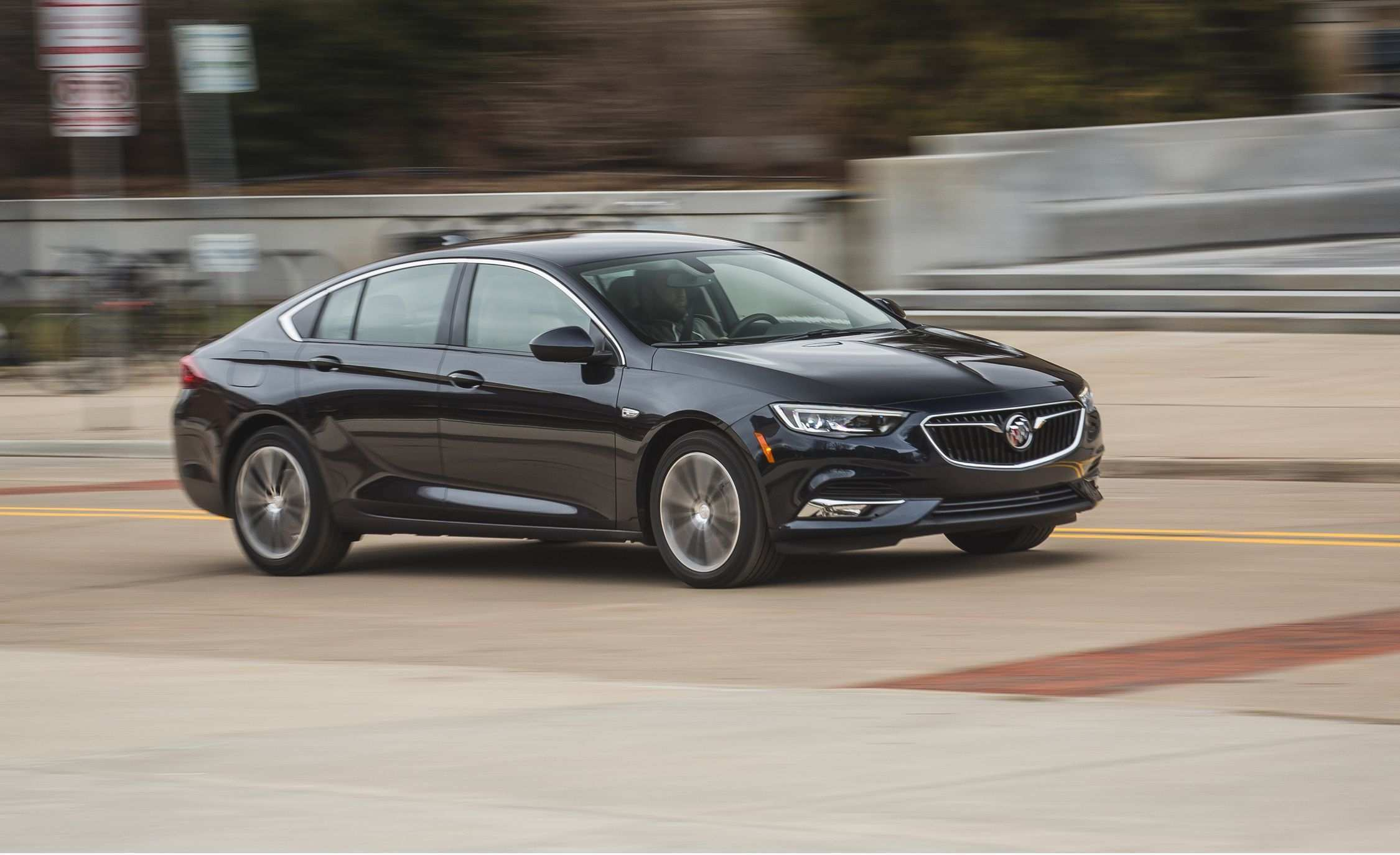 49 Gallery of Buick To Add Regal Sportback Avenir For 2019 Concept Redesign And Review Performance for Buick To Add Regal Sportback Avenir For 2019 Concept Redesign And Review