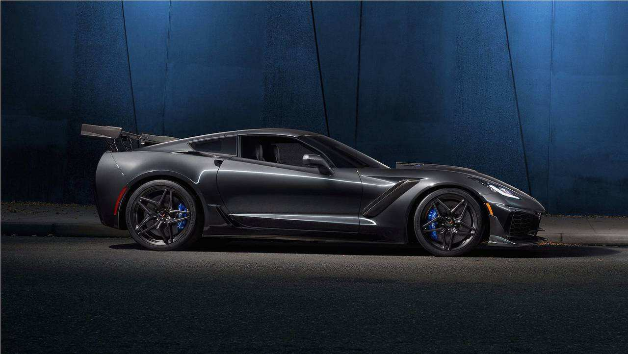 51 Great New Chevrolet Corvette Zr1 2019 Spy Shoot First Drive by New Chevrolet Corvette Zr1 2019 Spy Shoot