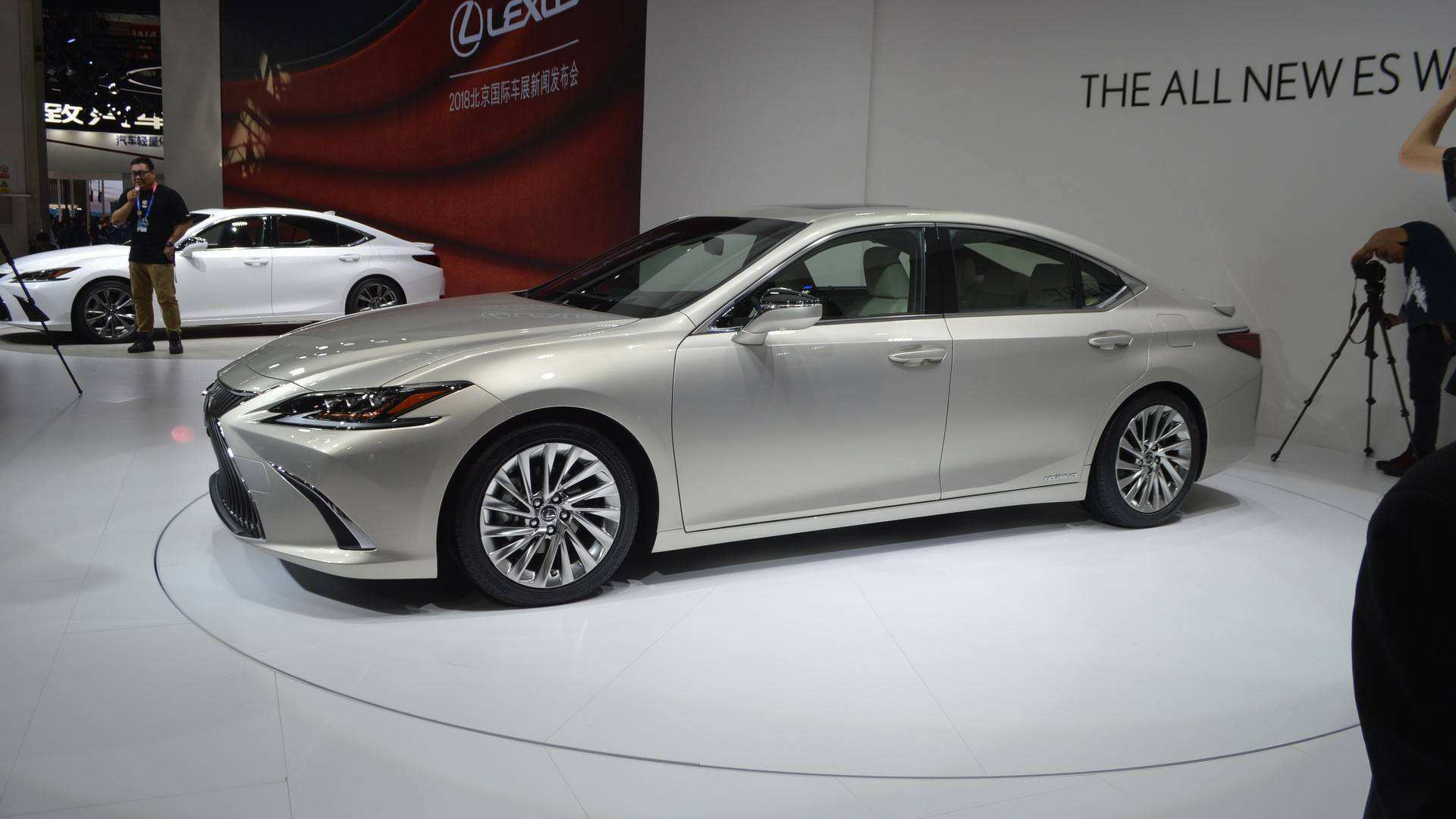 56 Gallery of The 2019 Lexus Es Hybrid Price Review And Price Speed Test for The 2019 Lexus Es Hybrid Price Review And Price