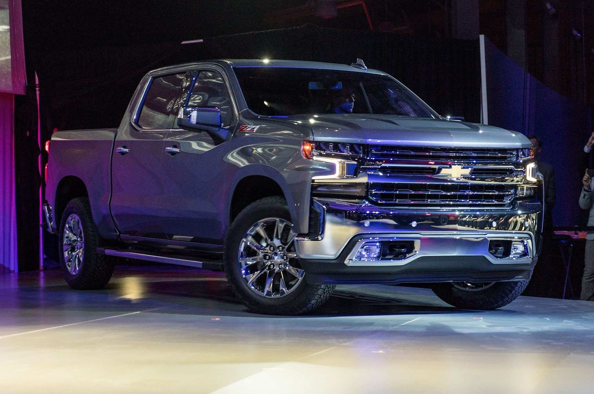 67 The New 2019 Chevrolet Silverado Interior Specs And Review Overview with New 2019 Chevrolet Silverado Interior Specs And Review