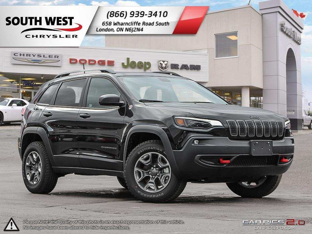 83 The New 2019 Jeep New Cherokee Trailhawk Elite Spesification Spy Shoot for New 2019 Jeep New Cherokee Trailhawk Elite Spesification