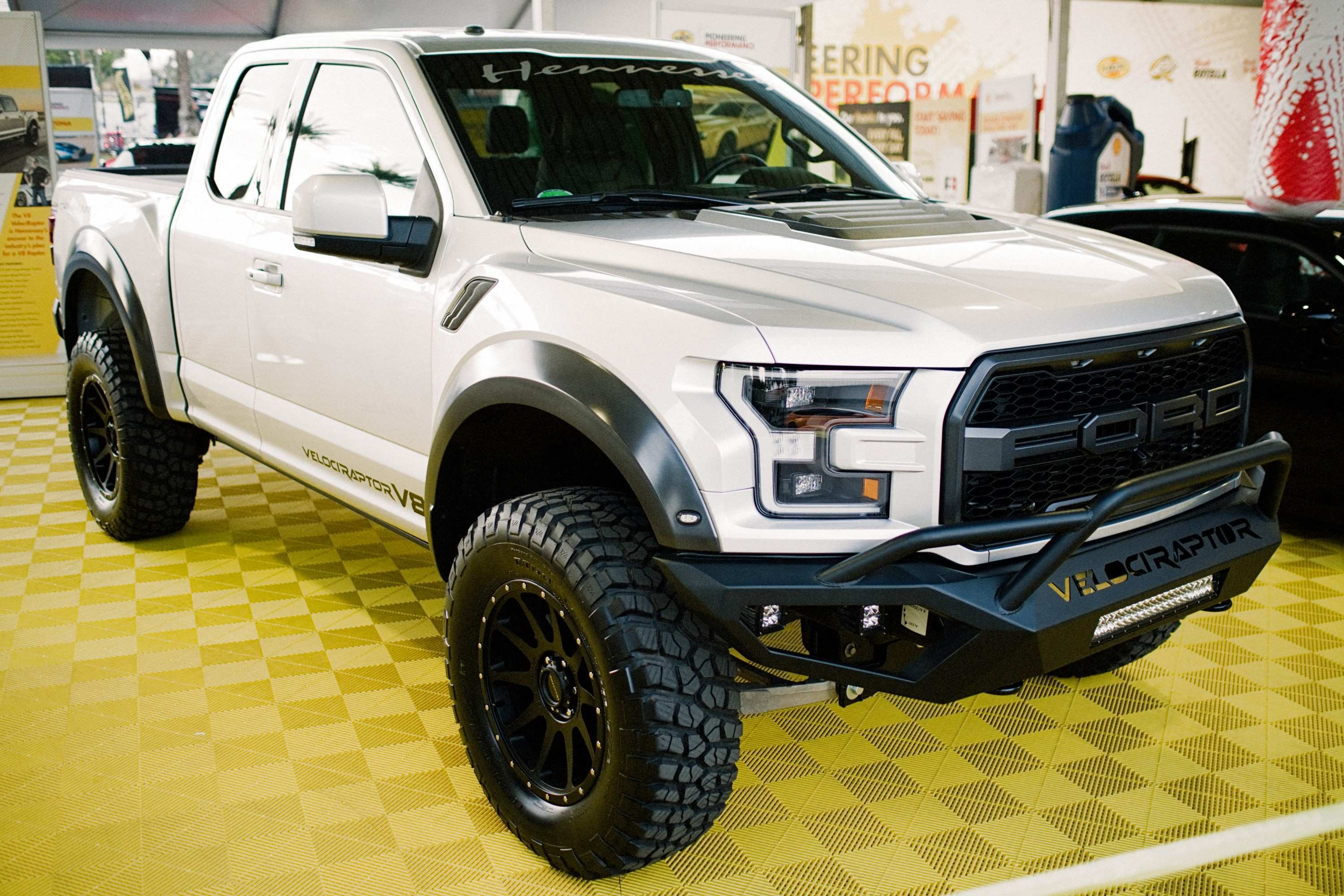 88 Gallery of The 2019 Ford Raptor V8 Exterior And Interior Review Wallpaper for The 2019 Ford Raptor V8 Exterior And Interior Review
