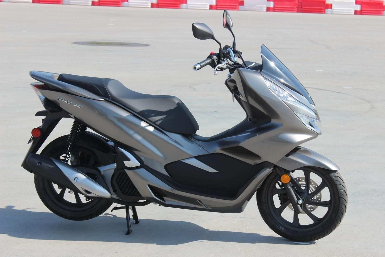 89 Concept of New 2019 Honda Pcx150 Redesign Rumors by New 2019 Honda Pcx150 Redesign