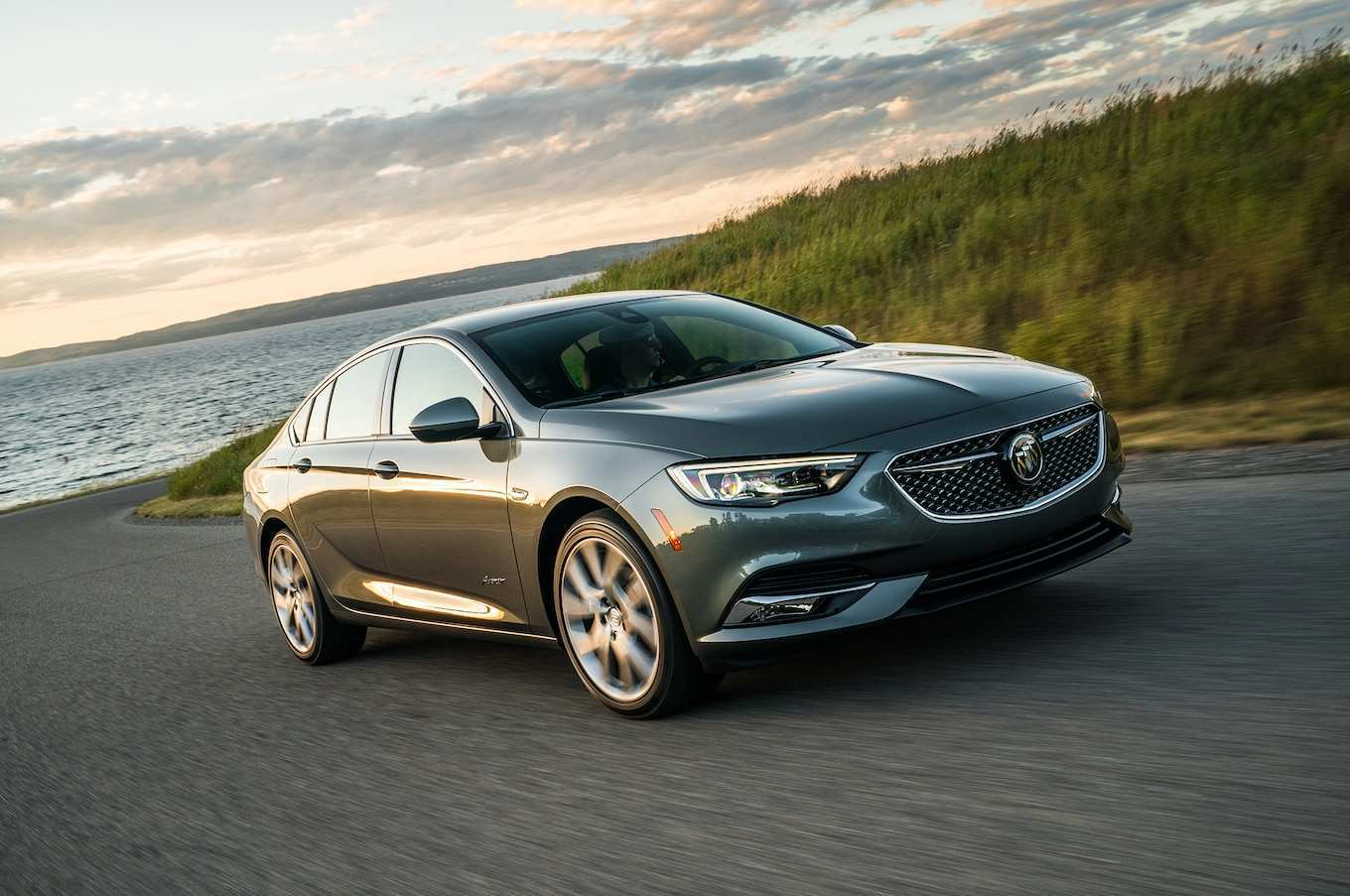 95 All New New 2019 Buick Regal Hybrid Price And Release Date Overview with New 2019 Buick Regal Hybrid Price And Release Date