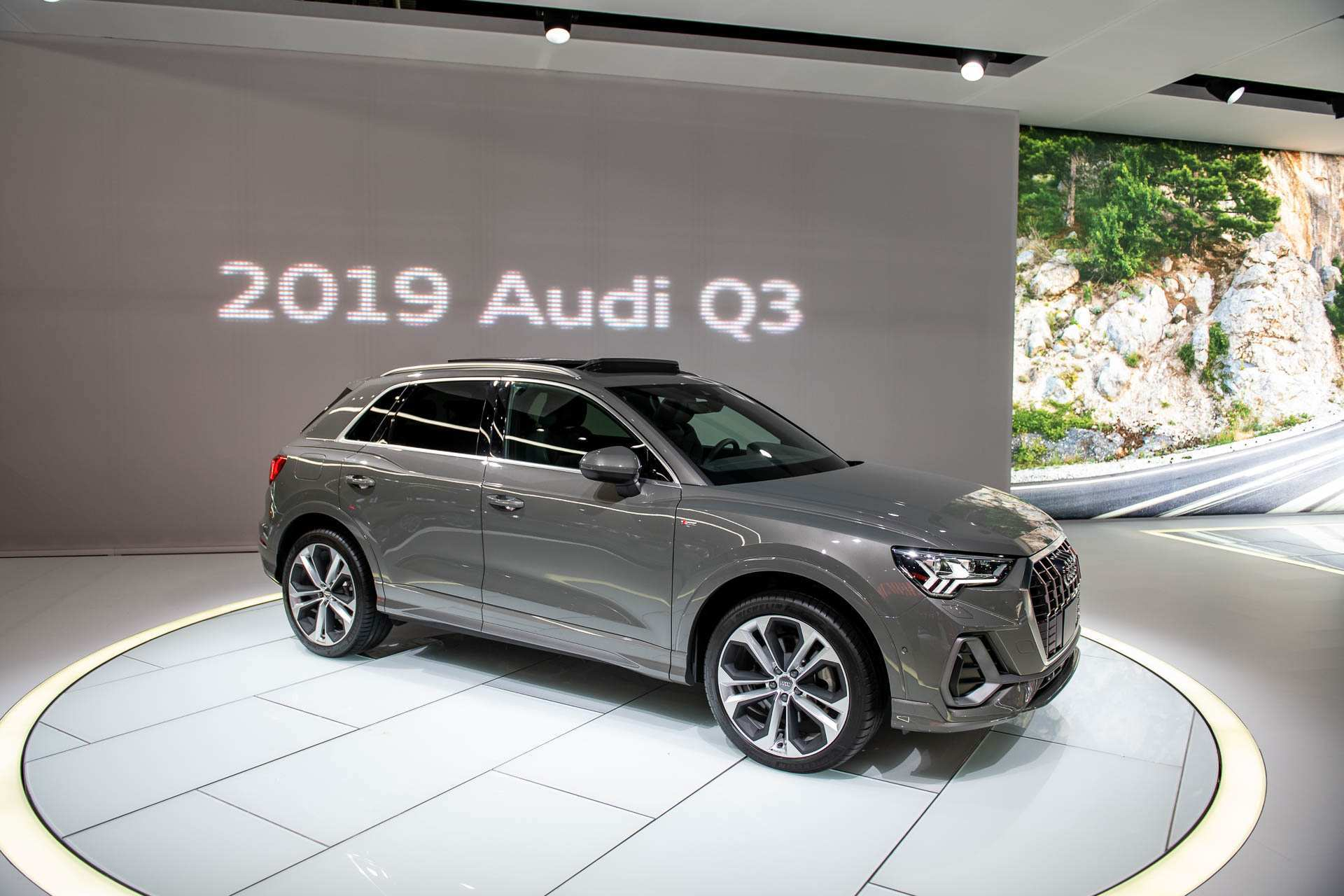 97 Gallery of New Audi Q3 2019 Hybrid Price Engine by New Audi Q3 2019 Hybrid Price