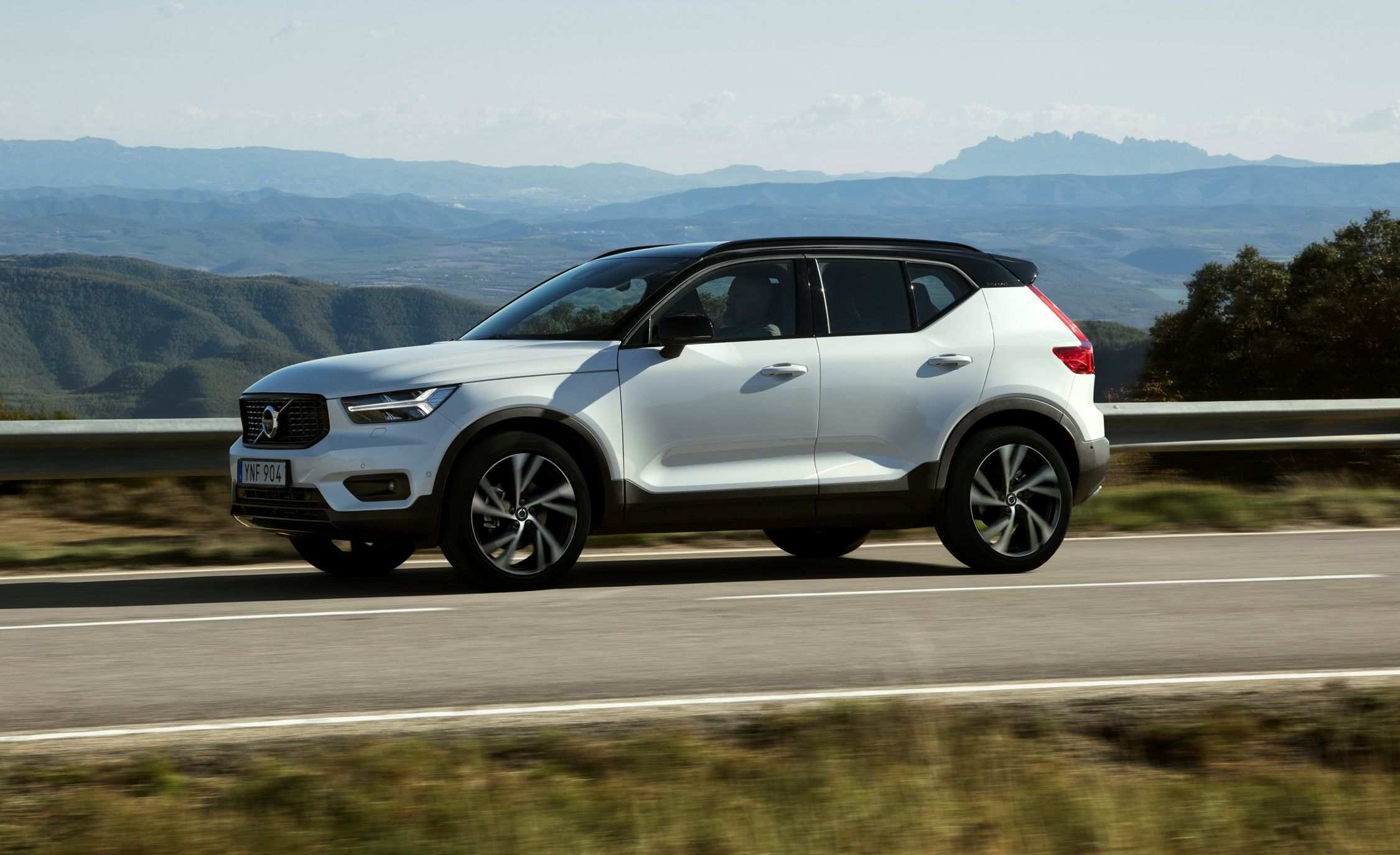 99 Gallery of The Volvo Suv 2019 First Drive Overview with The Volvo Suv 2019 First Drive