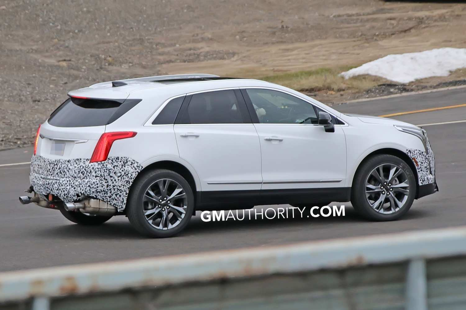 26 Concept of Spy Shots Cadillac Xt5 Spy Shoot with Spy Shots Cadillac Xt5