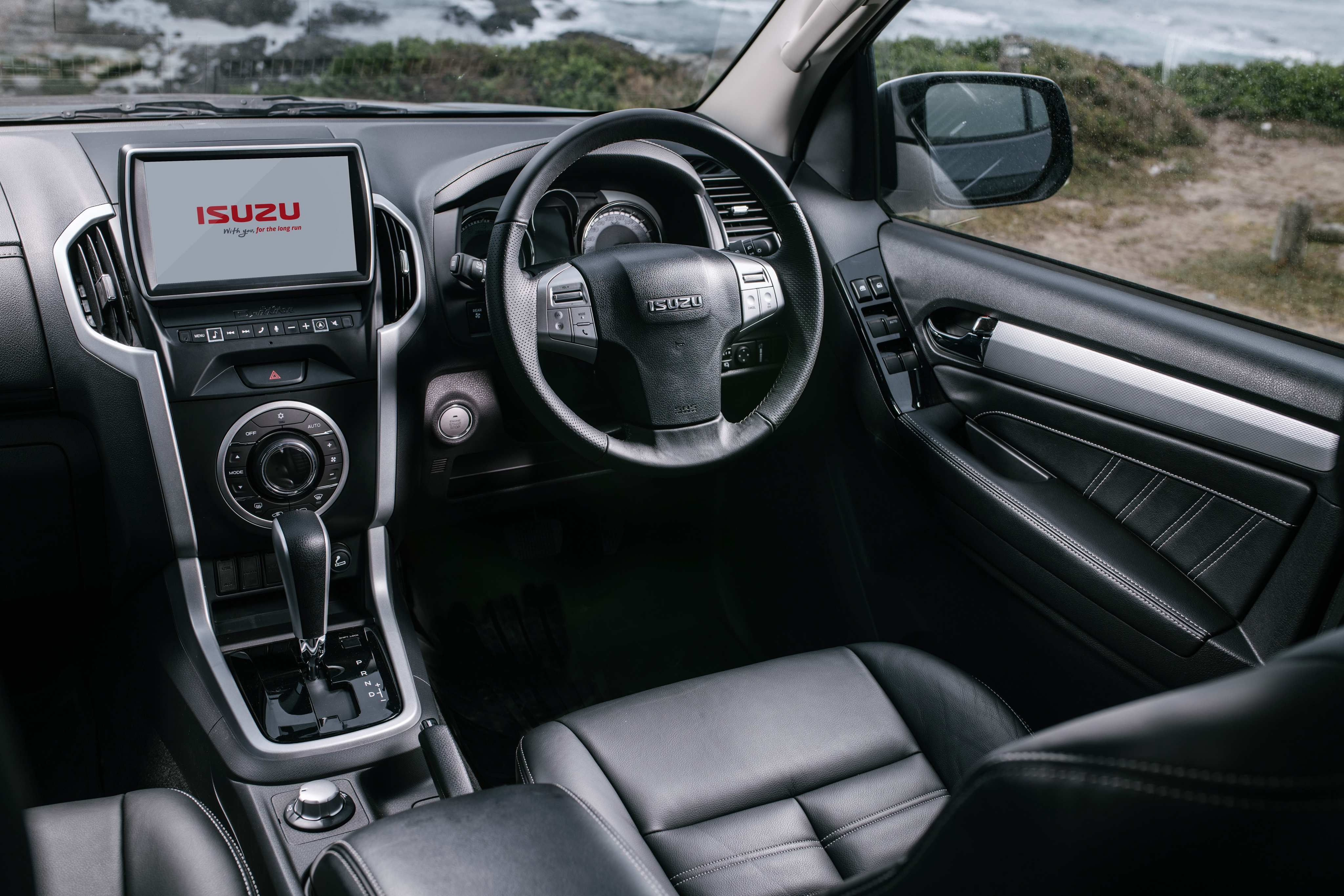 48 Great Isuzu Mu X Interior Performance by Isuzu Mu X Interior