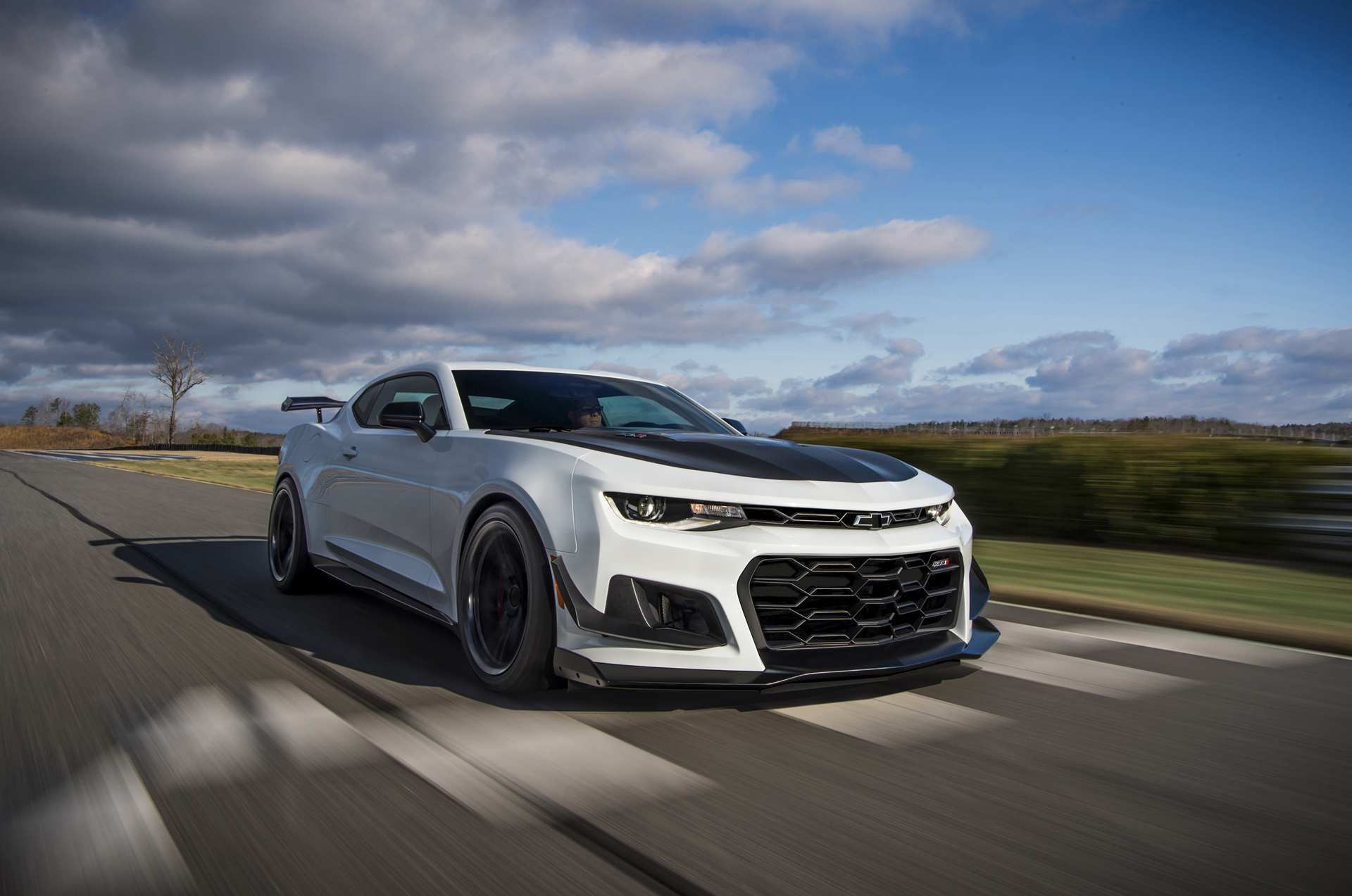 21 New 2020 Chevrolet Camaro Zl1 1Le Pictures by 2020 Chevrolet Camaro Zl1 1Le