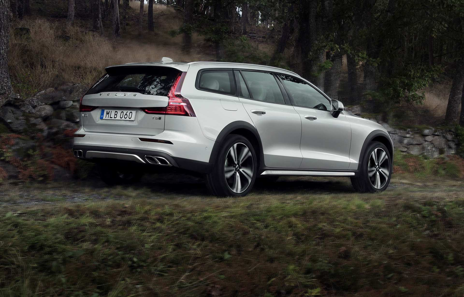 65 Great Volvo V60 Cross Country 2020 Performance and New Engine by Volvo V60 Cross Country 2020