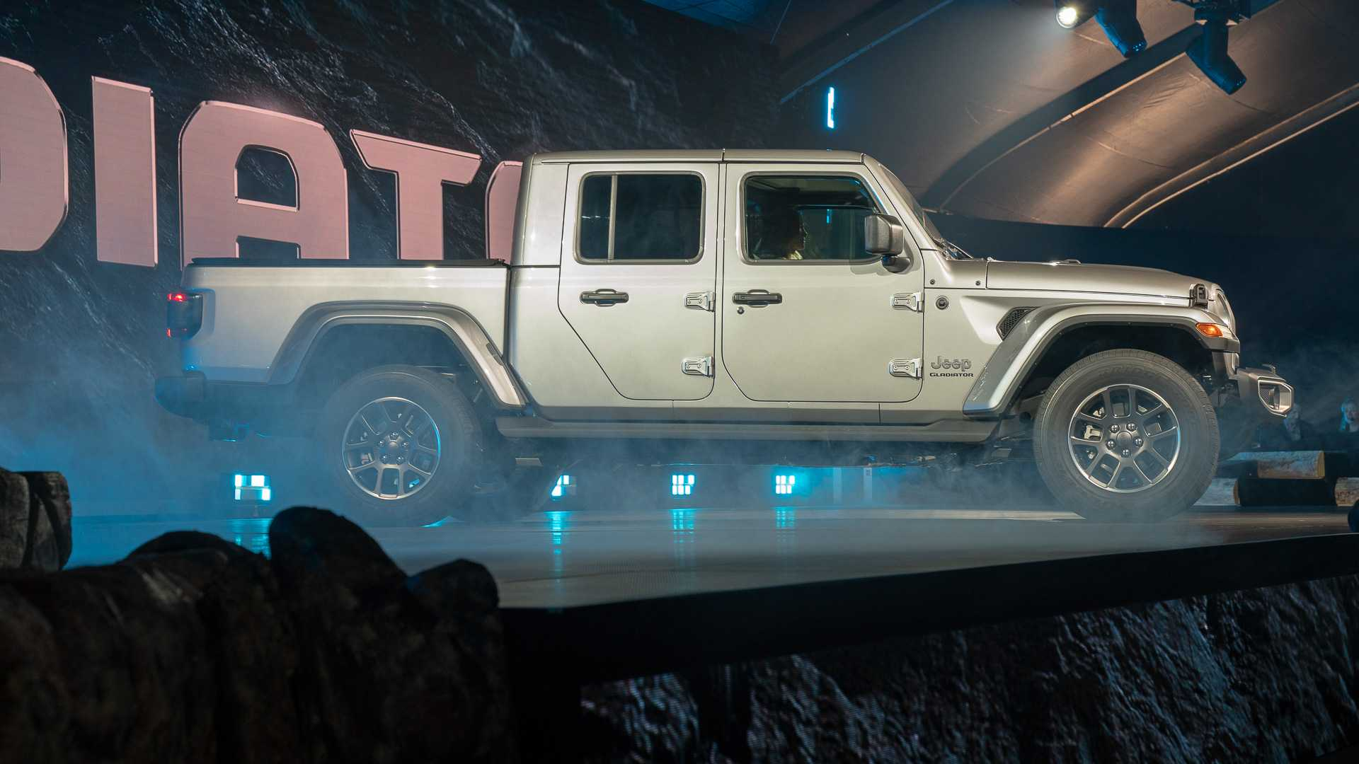 87 All New When Is The 2020 Jeep Gladiator Coming Out Review by When Is The 2020 Jeep Gladiator Coming Out