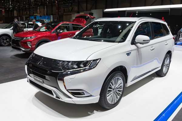 95 Gallery of Mitsubishi Outlander 2020 Model Pictures with Mitsubishi Outlander 2020 Model