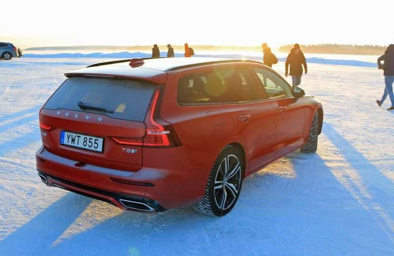 95 Great Volvo V60 Laddhybrid 2020 Redesign and Concept with Volvo V60 Laddhybrid 2020