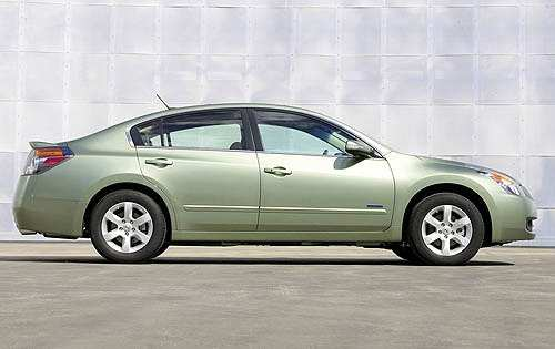 46 The 2007 Nissan Altima Hybrid Overview for 2007 Nissan Altima Hybrid