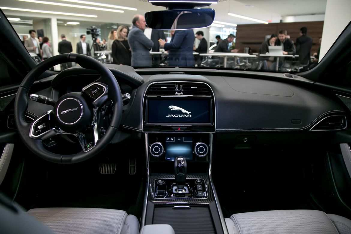 34 Gallery of New Jaguar Xe 2020 Interior Review with New Jaguar Xe 2020 Interior