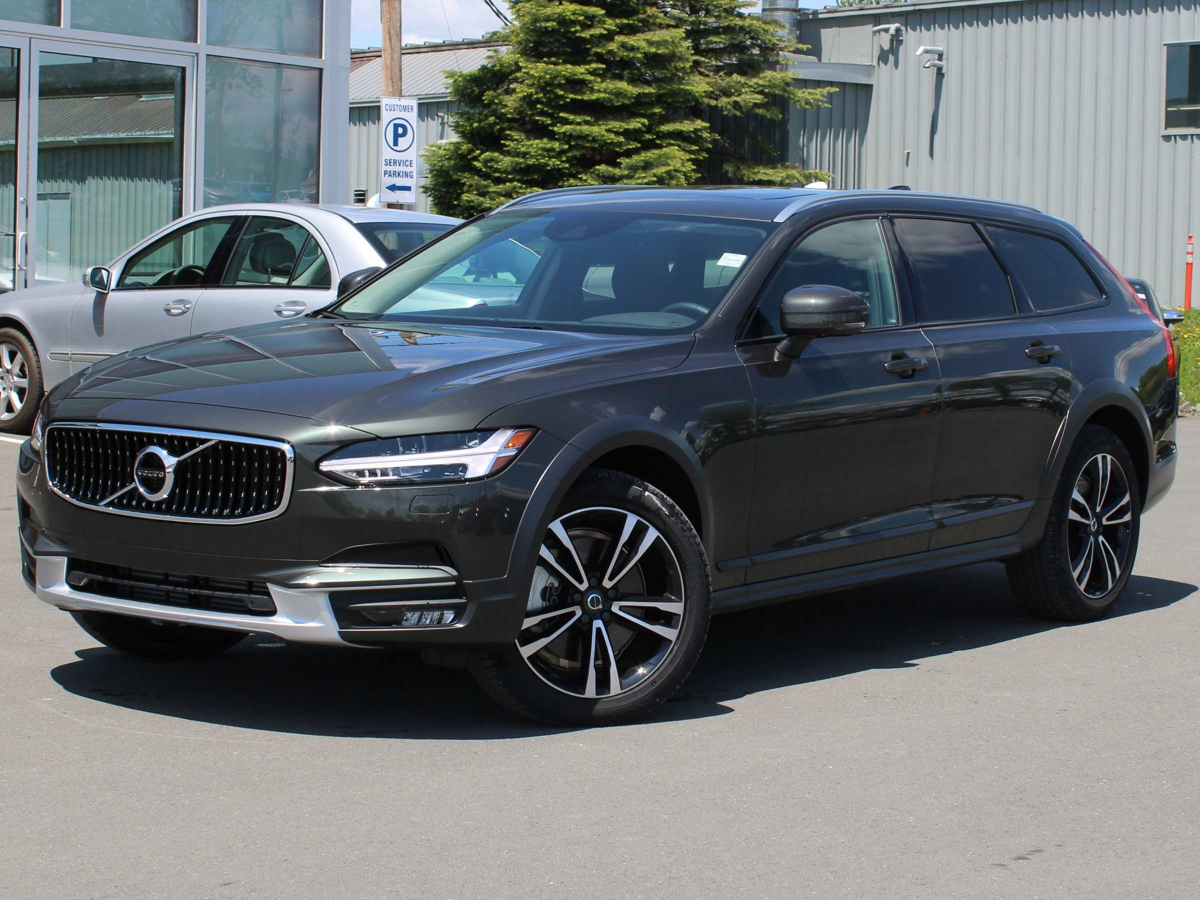 35 Gallery of 2019 Volvo V90 Pictures for 2019 Volvo V90
