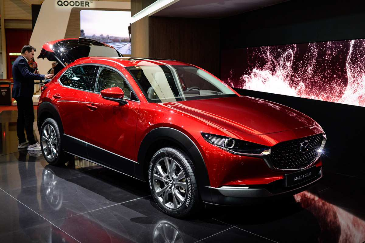 Kelebihan Mazda X30 Spesifikasi