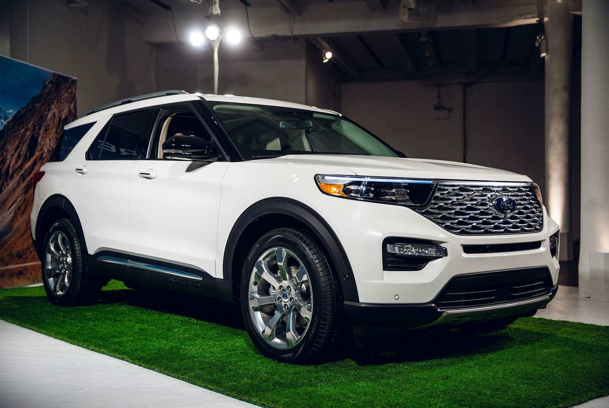 96 The Ford Unveils The New 2020 Explorer Rumors by Ford Unveils The New 2020 Explorer