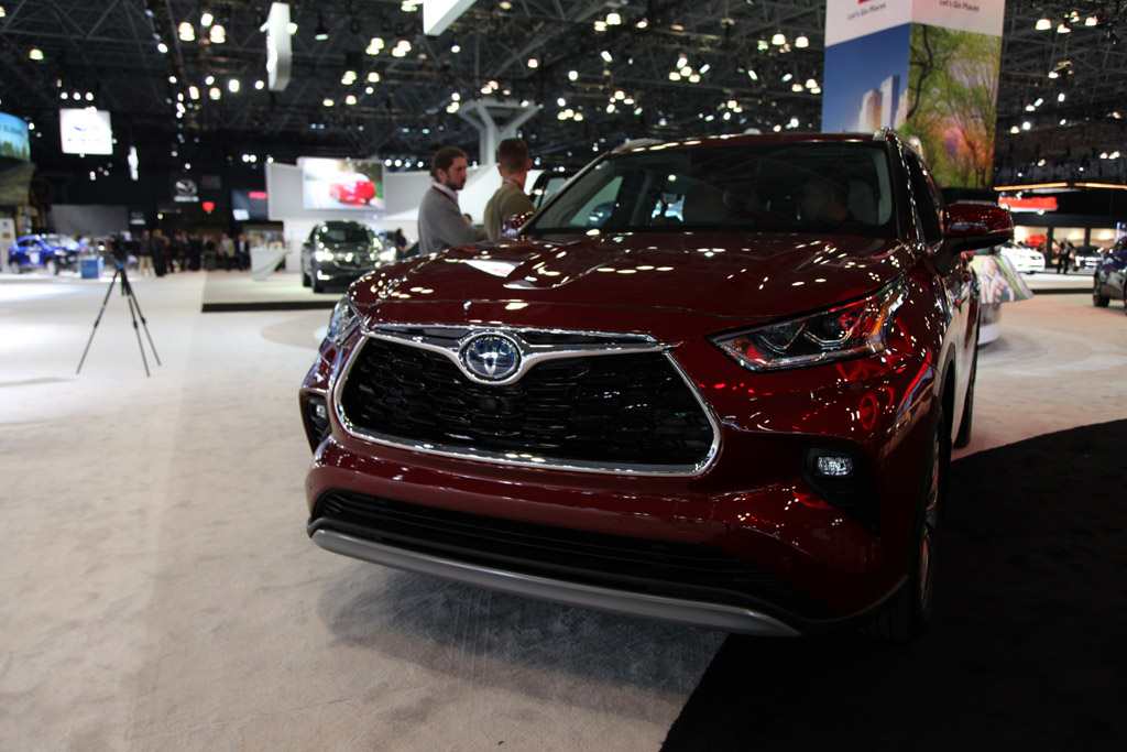 18 Best Review Pictures Of 2020 Toyota Highlander Spy Shoot with Pictures Of 2020 Toyota Highlander