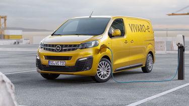61 The Opel Vivaro 2020 Spy Shoot with Opel Vivaro 2020